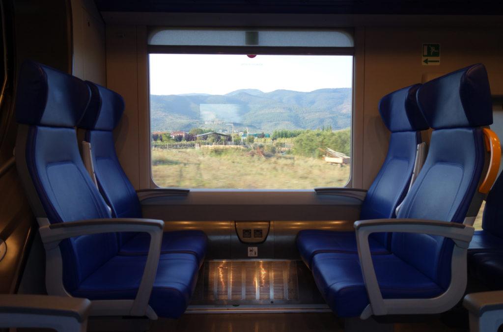 Dans le train entre Lucca et Pistoia - La Toscane en train
